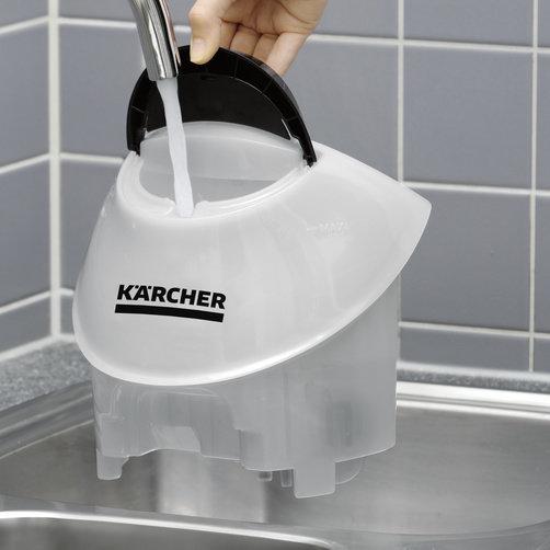 Dodatkowy zbiornik na wodę można łatwo wyjąć i napełnić Czyszczenie bez przerw i łatwe napełnianie zbiornika z wodą.